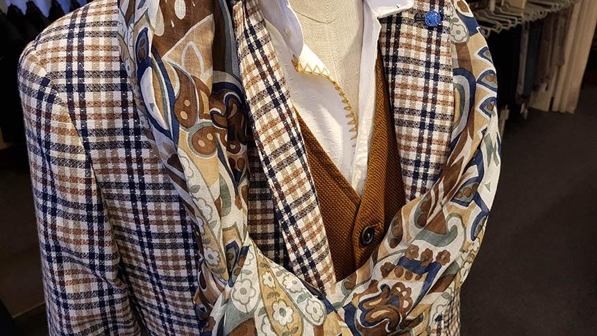 giacche-pantaloni-camicie-gilet-uomo-in-saldo